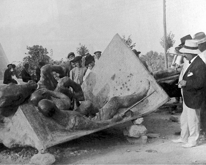 construcción de monumento a batallas